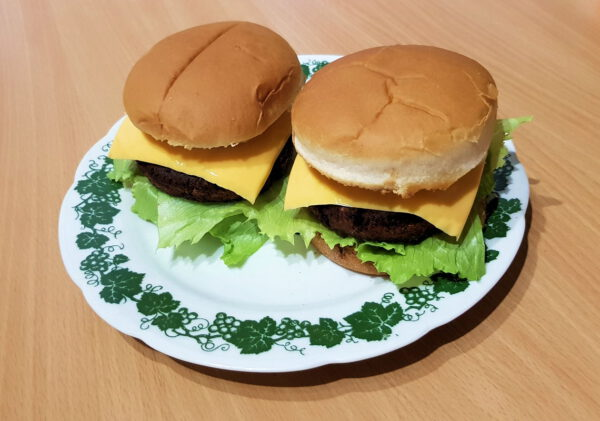 Veggie Club Burger Vegane Patties auf Erbsenbasis